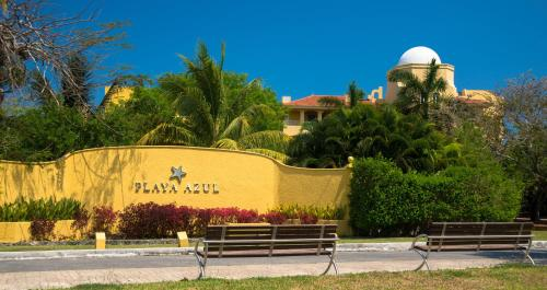 Playa Azul Golf Inclusive Photo
