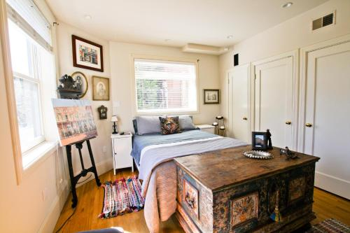 Glen Park Retreat Three Bedroom House - San Francisco, CA 94131