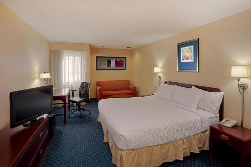 Quality Inn & Suites- Valparaiso Photo