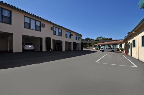 Marinwood Inn & Suites Photo