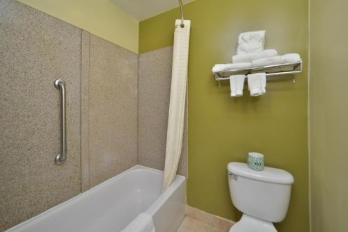 Best Western Plus Newport News Photo