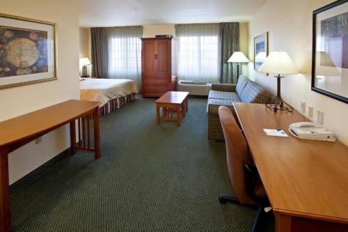 Staybridge Suites Hotel Springfield South Photo