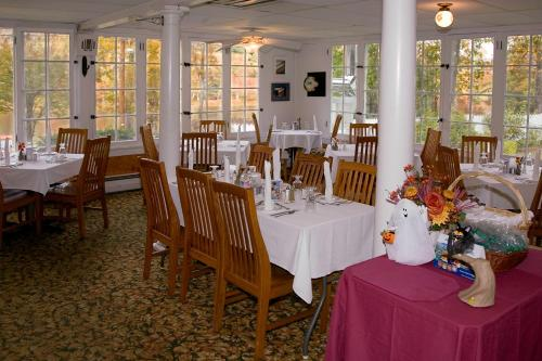 Inn at Starlight Lake & Restaurant Photo