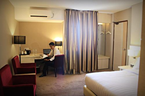 Biz Hotel Batam photo 17