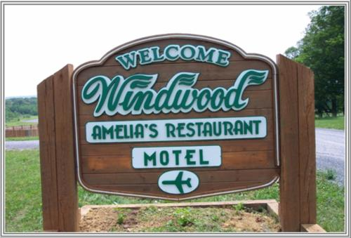 Windwood Fly-In Resort Photo