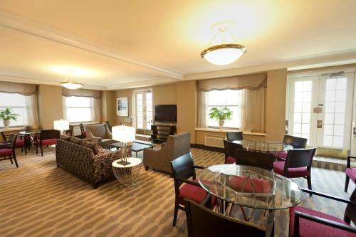 Hilton Cincinnati Netherland Plaza Photo