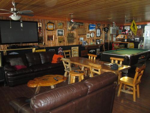 Log Inn & Pub Photo