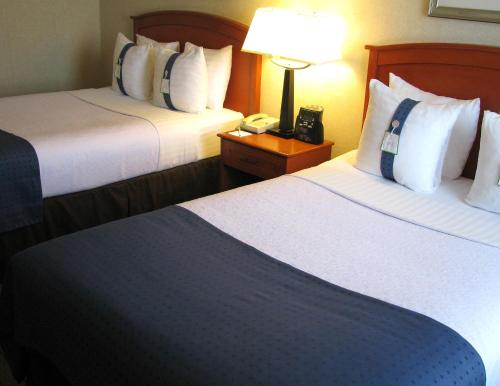 Holiday Inn & Suites Ottawa West - Kanata Photo