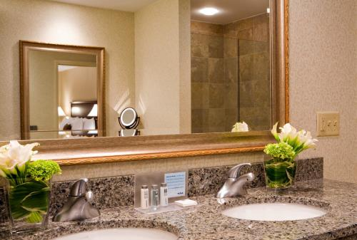 Hampton Inn Boston-Natick Photo