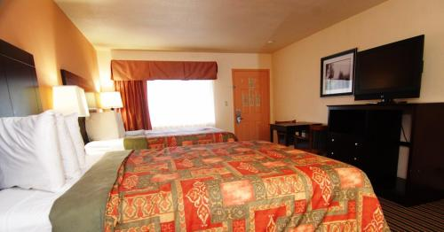 Palm Aire Hotel and Suites Weslaco Photo