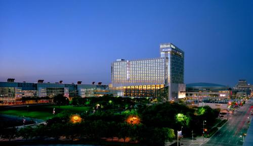Hilton Americas - Houston photo 2