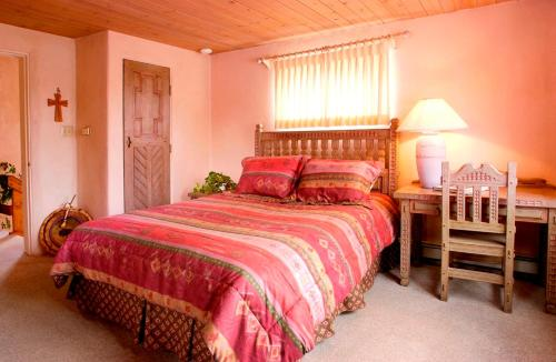 Taos Country Inn Photo
