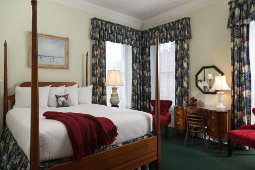Saratoga Arms - Bed And Breakfast - Adults Only