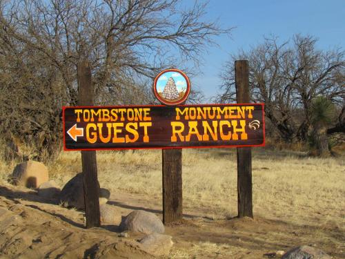 Tombstone Monument Guest Ranch Photo