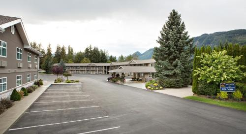 Best Western Sicamous Inn Photo