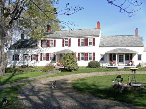 The 1810 Juliand House Bed & Breakfast Photo