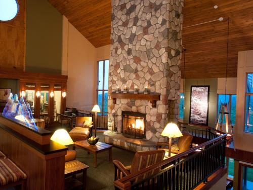 Caribou Highlands Lodge Photo