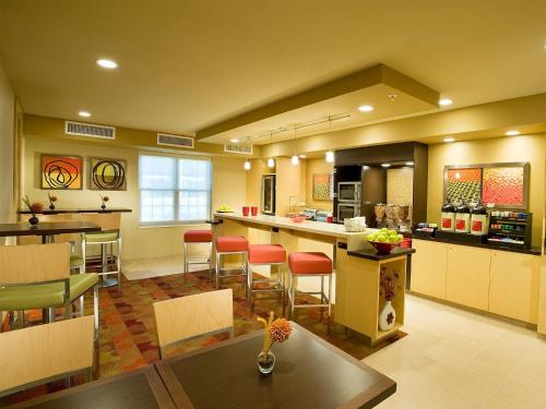 TownePlace Suites Dulles Airport Photo