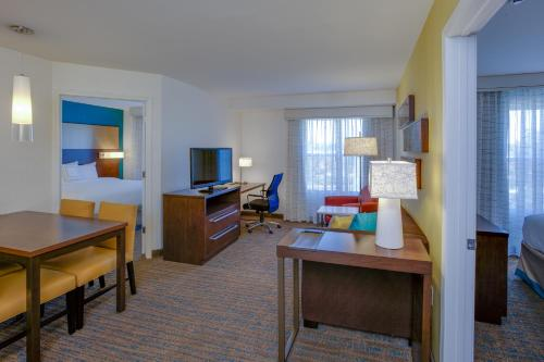 Residence Inn by Marriott Springfield Chicopee Photo