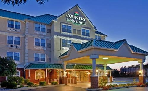 Country Inn & Suites Louisville East Photo