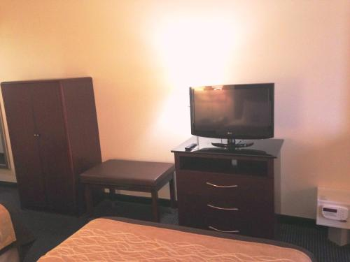 Comfort Inn & Suites Ft.Jackson Maingate Photo