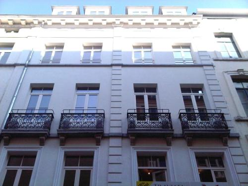 Grand Place The Looks Apartment - фото 0