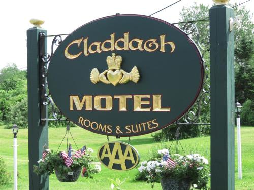 Claddagh Motel & Suites in Rockport from $99