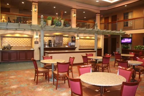 Auburn Place Hotel & Suites Cape Girardeau Photo