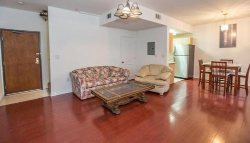 Economy Two Bedroom Apartment - Vanowen Street 3 - Van Nuys, CA 91411