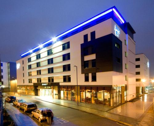Stay at Jurys Inn Brighton