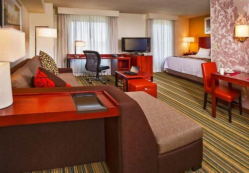 Residence Inn Arlington Pentagon City Photo