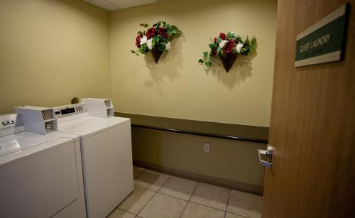 Best Western PLUS Tulsa Inn & Suites Photo