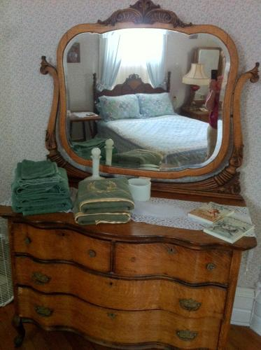 Grand Avenue Bed and Breakfast Photo
