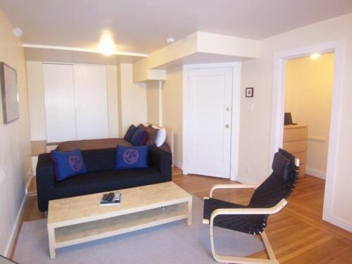 Russian Hill Apartment Photo