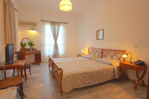 Swiss Home Hotel - Main Crossing Naoussa - Kolymbithres Greece