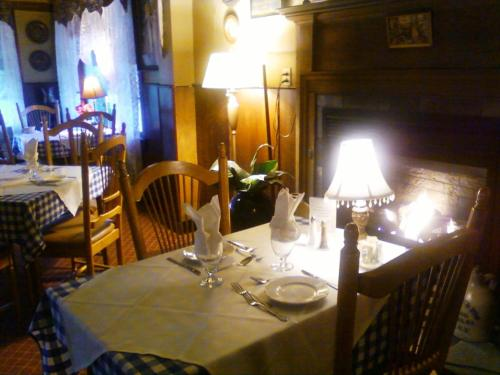 Bavarian Manor Country Inn and Restaurant Photo