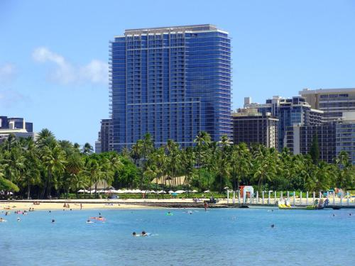 Trump International Hotel Waikiki Photo