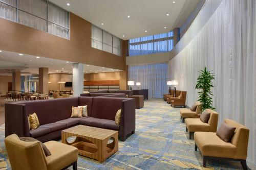 Hilton Baltimore BWI Airport Photo