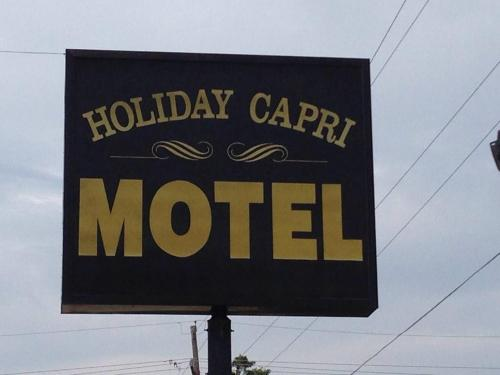 Holiday Capri Motel Photo