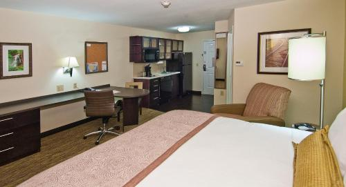 Candlewood Suites Tupelo Photo