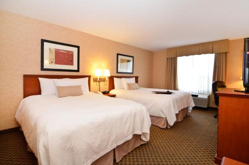 Hampton Inn & Suites Langley-Surrey Photo