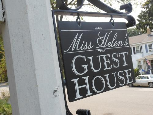 Miss Helen's Guesthouse Photo