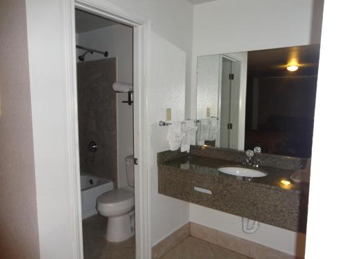 Garden Inn and Suites Silsbee Photo