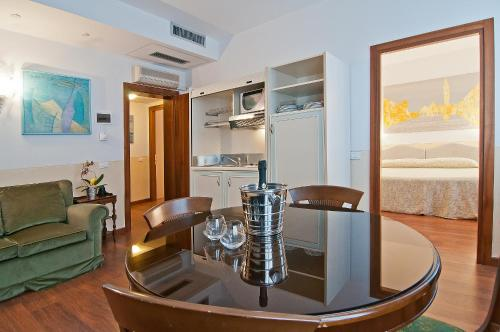 Fenice Apartments in Venice - Not Just a Stay - фото 0