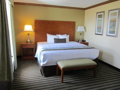 Best Western Plus Seawall Inn & Suites by the Beach Photo