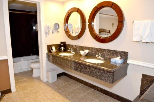 Dynasty Suites Hotel Photo