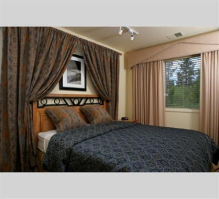 GetAways at the Lodge at Kingsbury Crossing