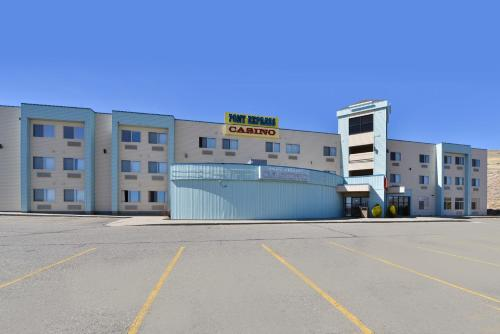 West Star Hotel and Casino Photo