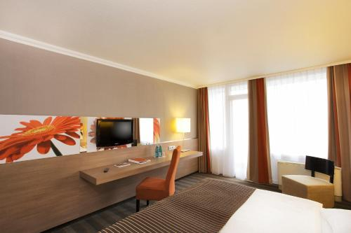 Ramada Hotel Frankfurt Messe photo 16