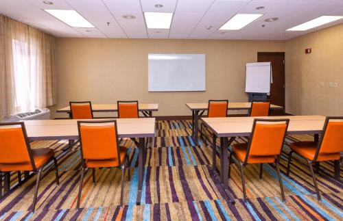 Fairfield Inn & Suites By Marriott Des Moines West - West Des Moines, IA 50266